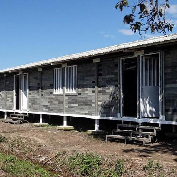 viviendas de plástico en África
